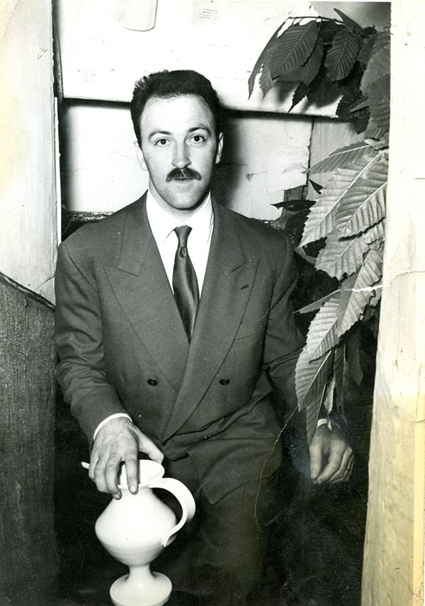 Moustache600
